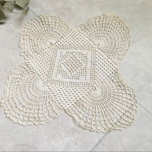 P• Antique Doily Square with 4 Scalloped Edges